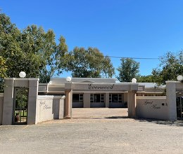 PRIME GUESTHOUSE / COMMERCIAL PROPERTY - EVERWOOD GUEST HOUSE, KLERKSDORP